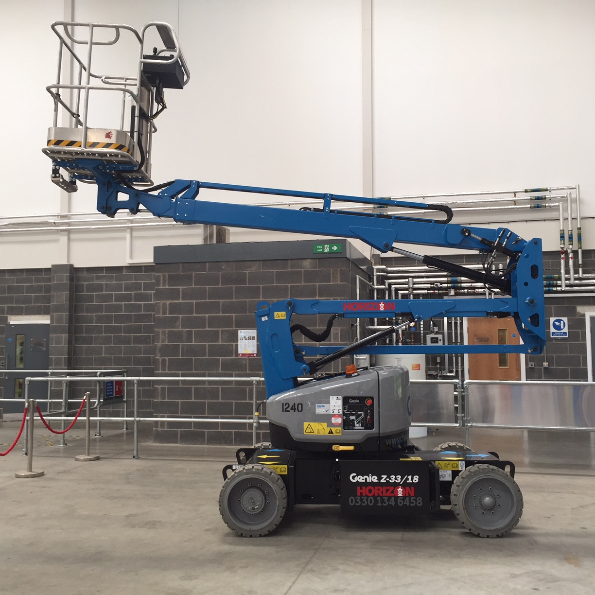 Mewps Access Platforms For Shopfitters Fit Out Genie 3232 Scissor Lift Wiring Diagram 10m Battery Boom Z33 18