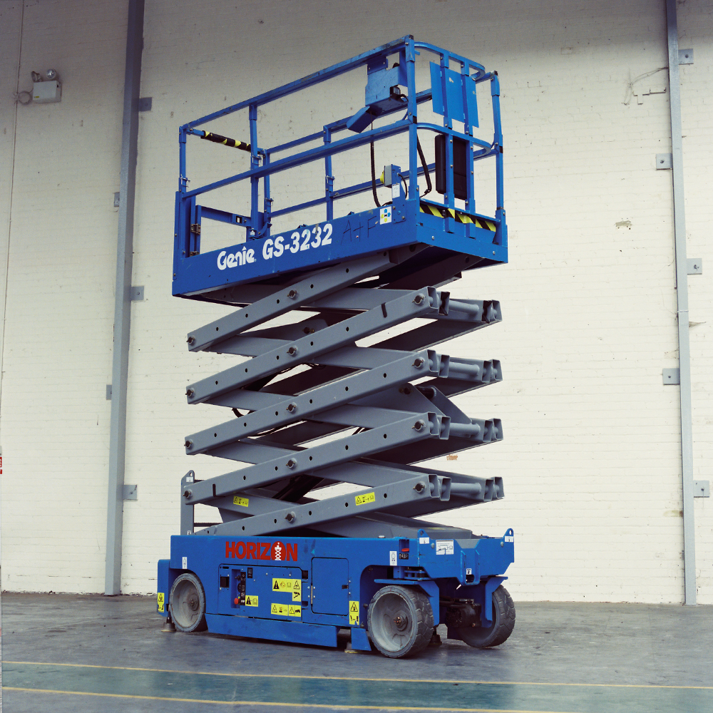 10m Battery Scissor Lift - Genie GS3232