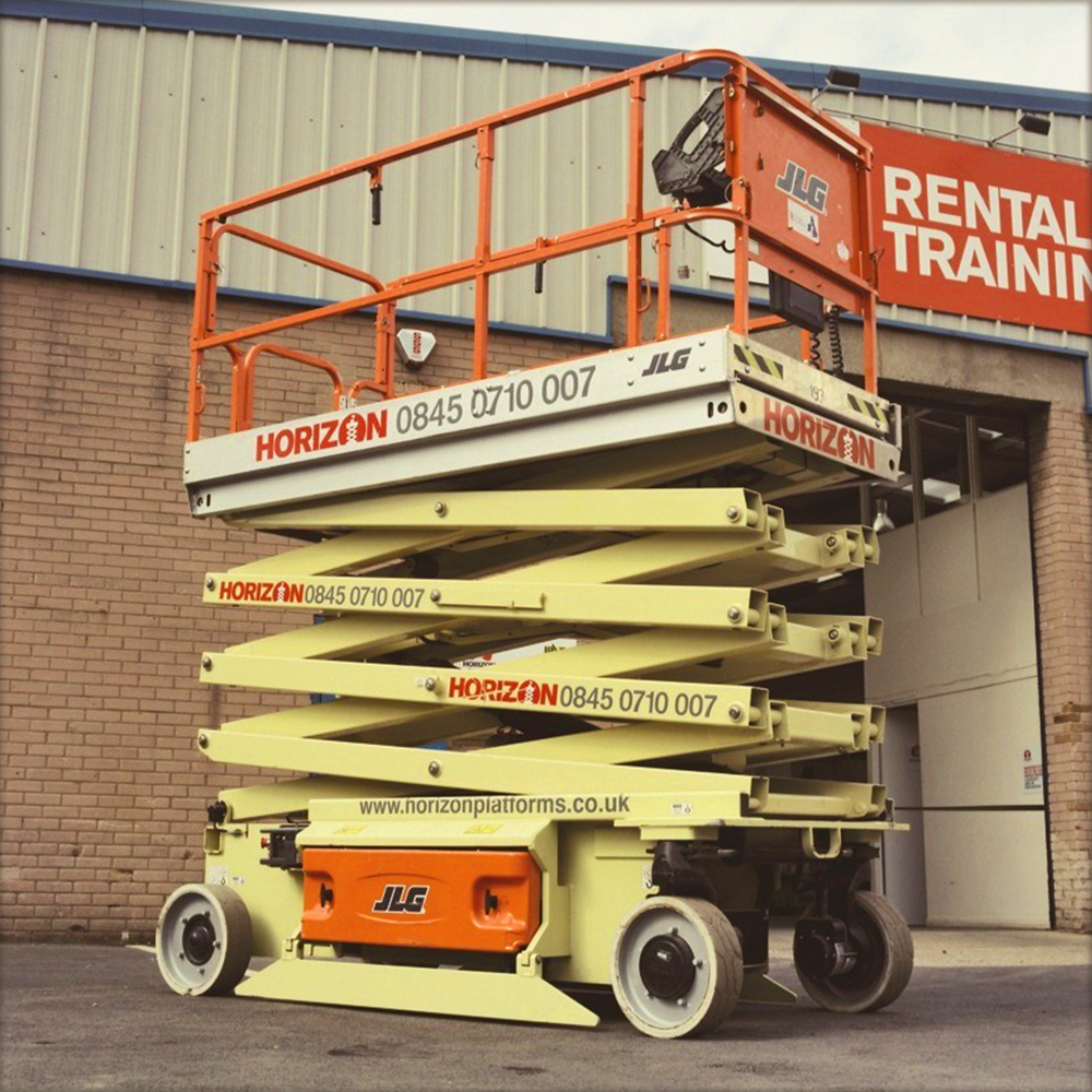 10m Battery Scissor Lift - JLG 3246ES