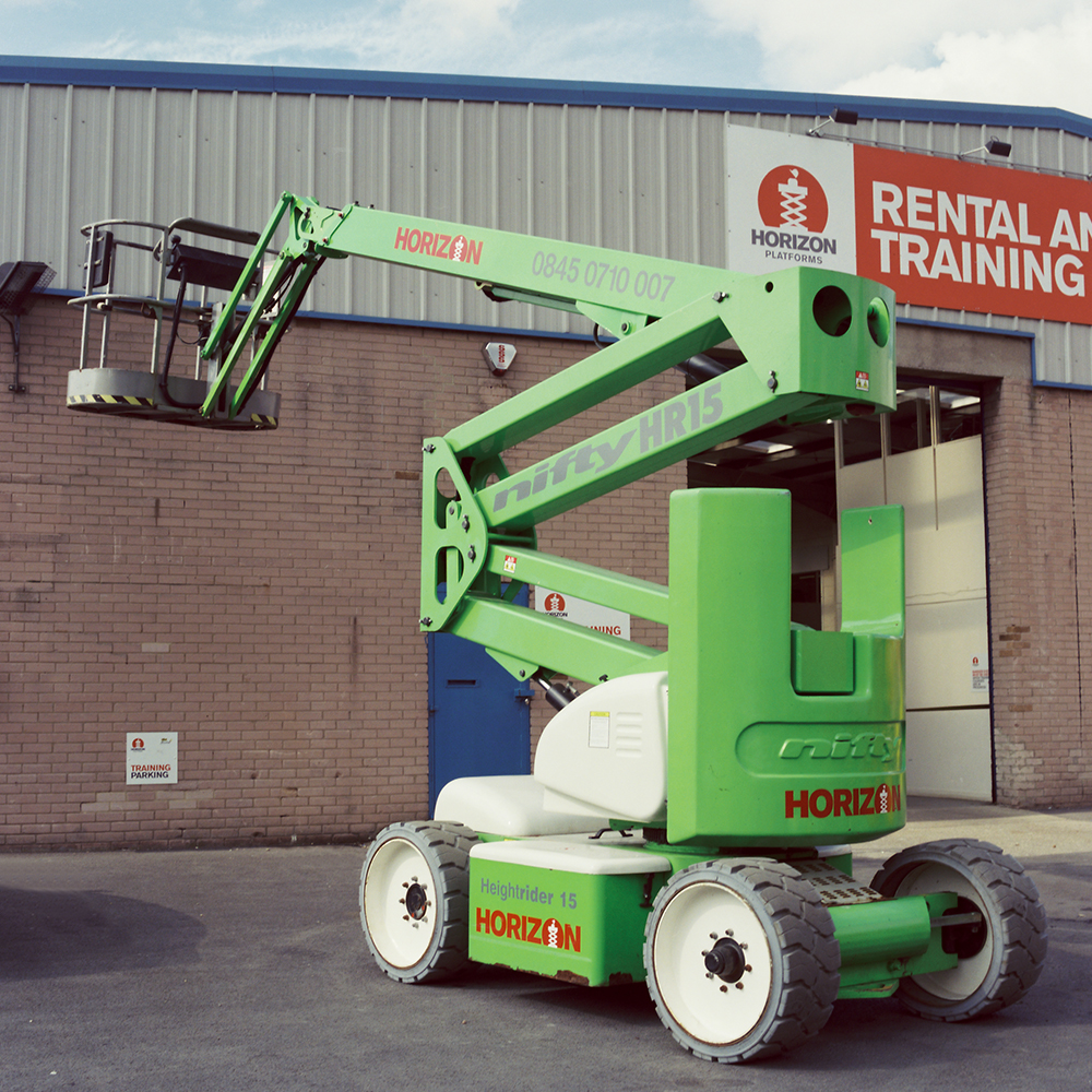 14m Bi-Fuel Boom Lift - Niftylift HR15
