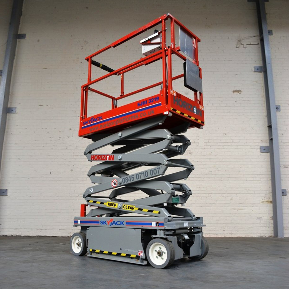 6m Battery Scissor Lift - Skyjack SJ3219