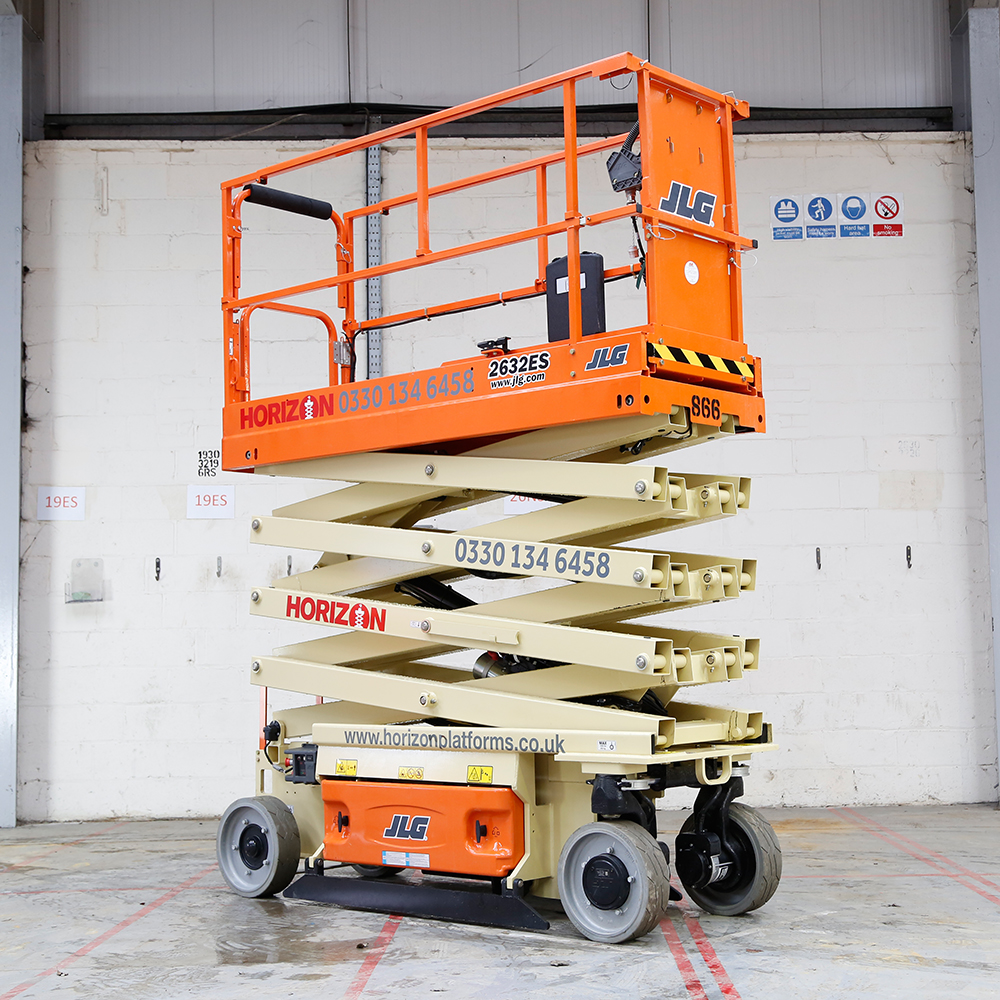 8m Battery Scissor Lift - JLG 2632ES