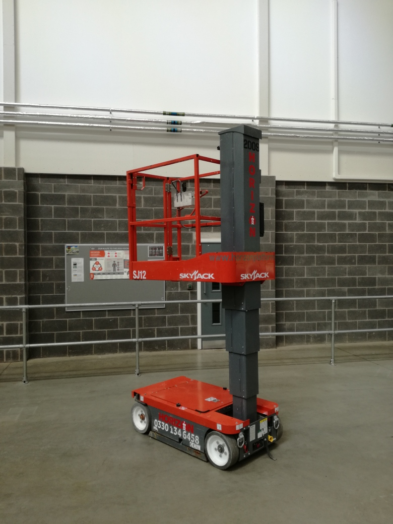 3.5m Battery Personnel Lift - Skyjack SJ12