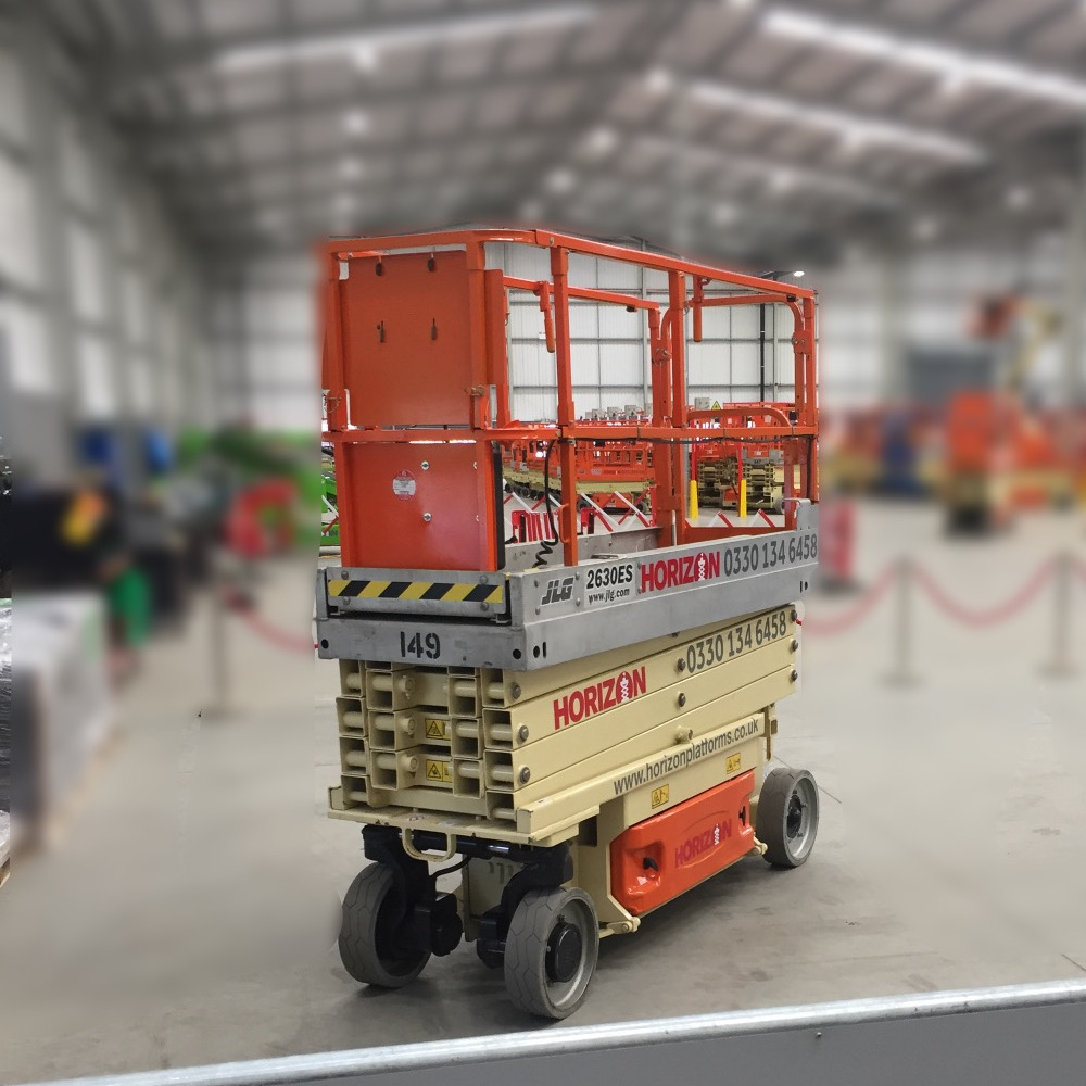 8m Battery Scissor Lift - JLG 2630ES